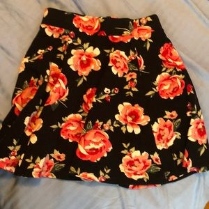 H&M Floral skirt size XS